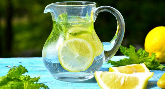 agua-aromatizada-beneficios-hm