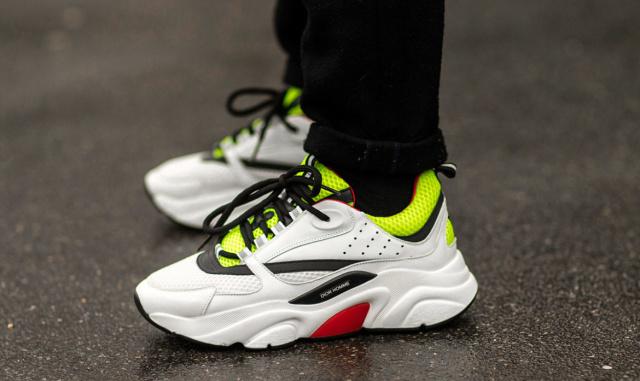 paris-mens-fw18-sneaker-street-style-3-1170x697